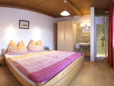 Doppelzimmer mit separater Dusche